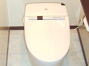 便器はフチなしトルネード洗浄のため、お掃除がカンタン!